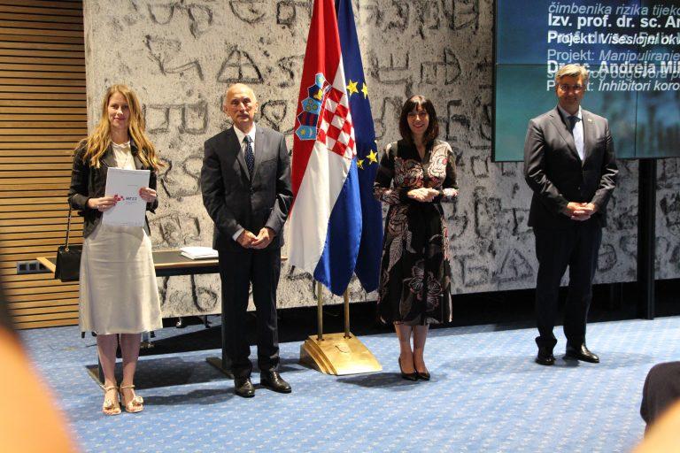 Izv. prof. dr. sc. Ana Meštrović